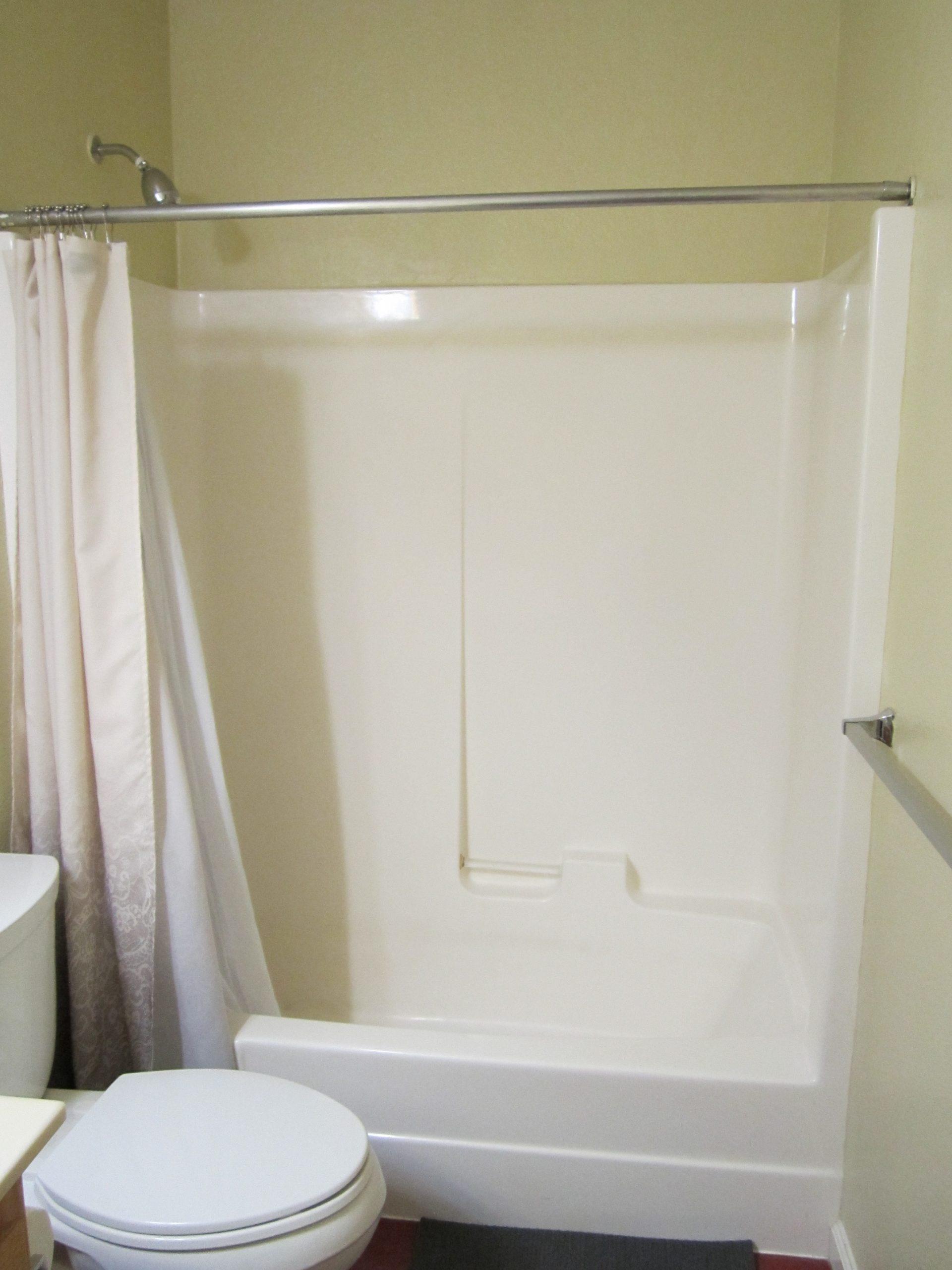 Standard Bathroom 2